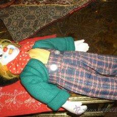 Muñecas Porcelana: ANTIGUO PAYASO DE PORCELANA PINTADO A MANO. Lote 29746324