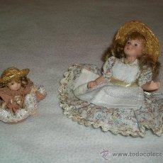 Muñecas Porcelana: MUÑECA DE PORCELANA - DOS MUÑECAS - HERMANAS DE PORCELANA. Lote 30650409
