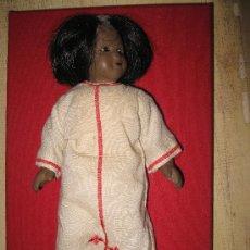 Muñecas Porcelana: MUÑECA DE PORCELANA ARTICULADA - ETIOPE, VESTIDO 21 CM.. Lote 31915979