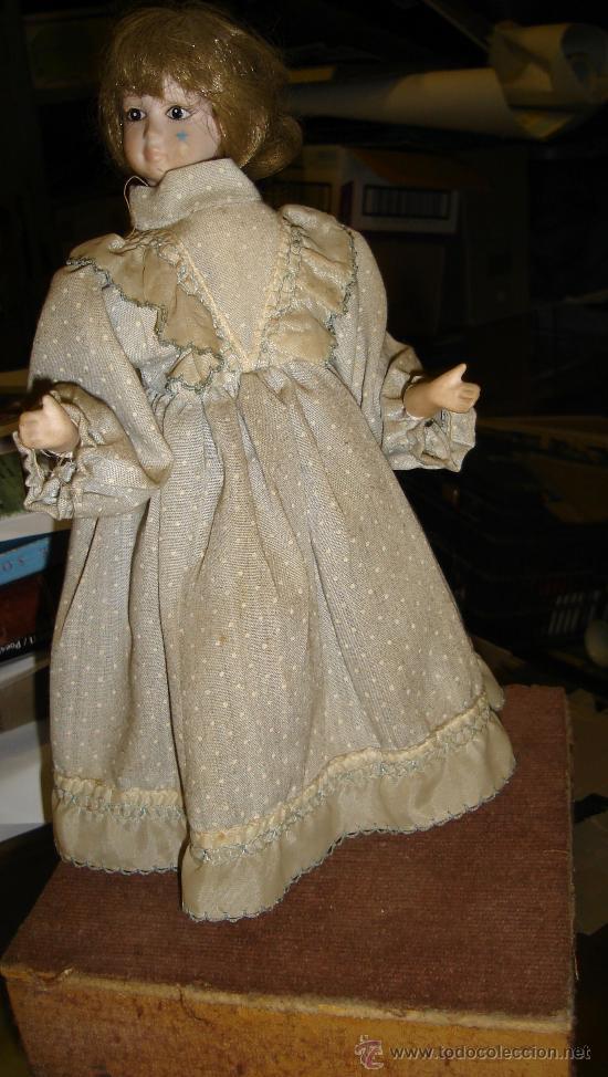 Muñecas Porcelana: ANTIGUA MUÑECA AUTÓMATA DE PORCELANA, 33 POR 15CM, VER VÍDEO - Foto 3 - 31992507