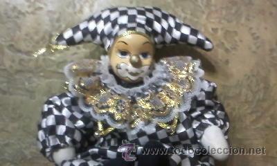 MUÑECA ARLEQUIN DE PORCELANA.CUERPO DE RELLENO. (Juguetes - Muñeca Extranjera Moderna - Porcelana)