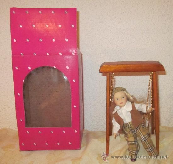 Muñecas Porcelana: MUÑECA DE PORCELANA CON COLUMPIO,RA,CAJA ORIGINAL,AÑOS 80 - Foto 2 - 32925862