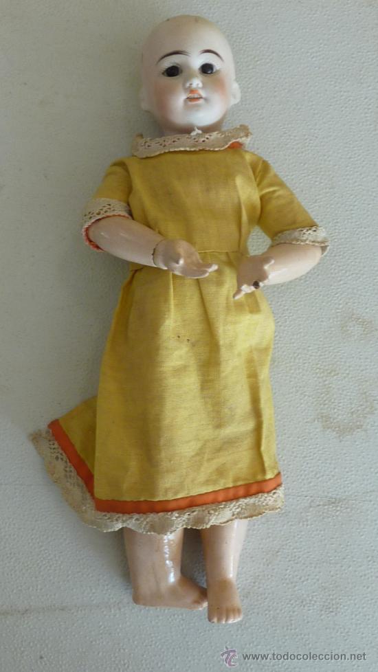 Muñecas Porcelana: Antigua muñeca de porcelana, con cuerpo de carton piedra, marcada en nuca - Foto 2 - 33630127