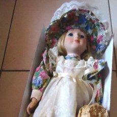 Muñecas Porcelana: MUÑECA DE PORCELANA PINTADA A MANO 1998 - CATHERINE. Lote 35208328