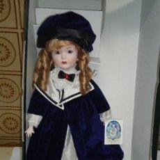 Muñecas Porcelana: MUÑECA CLASICA MARCA LA BAMBOLA DE PORCELANA. AÑOS 70-80. -AL. Lote 37101541