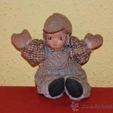 Muñecas Porcelana: MUÑECA DE TRAPO CON CABEZA DE PORCELANA. Lote 38354253