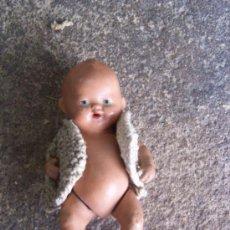 Muñecas Porcelana: MUÑEQUITA BEBE DE CERAMICA. ANTIGUA Y ENTERA.. Lote 38595559