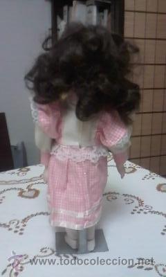 Muñecas Porcelana: Preciosa muñeca de porcelana,completa. Con soporte incluido. - Foto 4 - 39680439