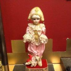 Muñecas Porcelana: MUÑECA ARLEQUÍN DE PORCELANA AUTOMATA CON MÚSICA EN . SIGLO XX.. Lote 40718035