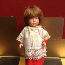 Muñecas Porcelana: MONAGUILLA ARTICULADA EN PORCELANA CON OJOS PINTADOS Y PELO NATURAL. PIEZA ÚNICA. AÑO 1960.. Lote 40740293