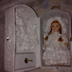 Muñecas Porcelana: MUÑECA PORCELANA EN CAJITA. Lote 40972691