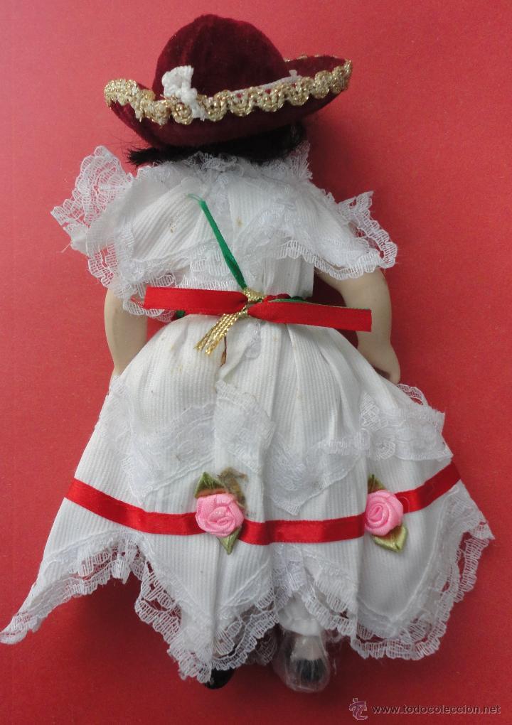 Muñecas Porcelana: MUÑECA PORCELANA TRAJE TÍPICO (24 CM DE LARGO) - Foto 2 - 46347470