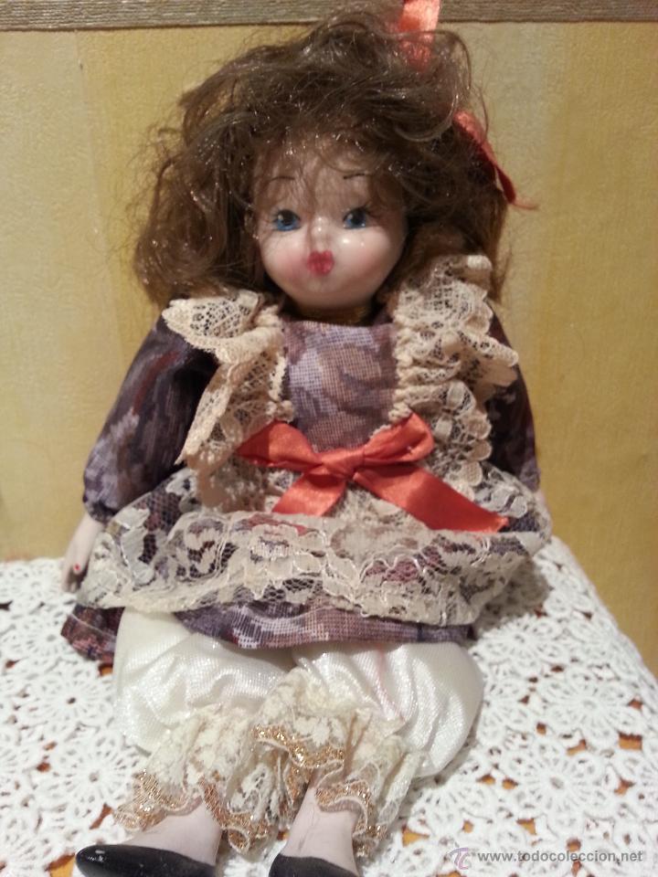 Muñecas Porcelana: Lote de 2 Muñecas sentadas de porcelana años 70 - Foto 3 - 48355635