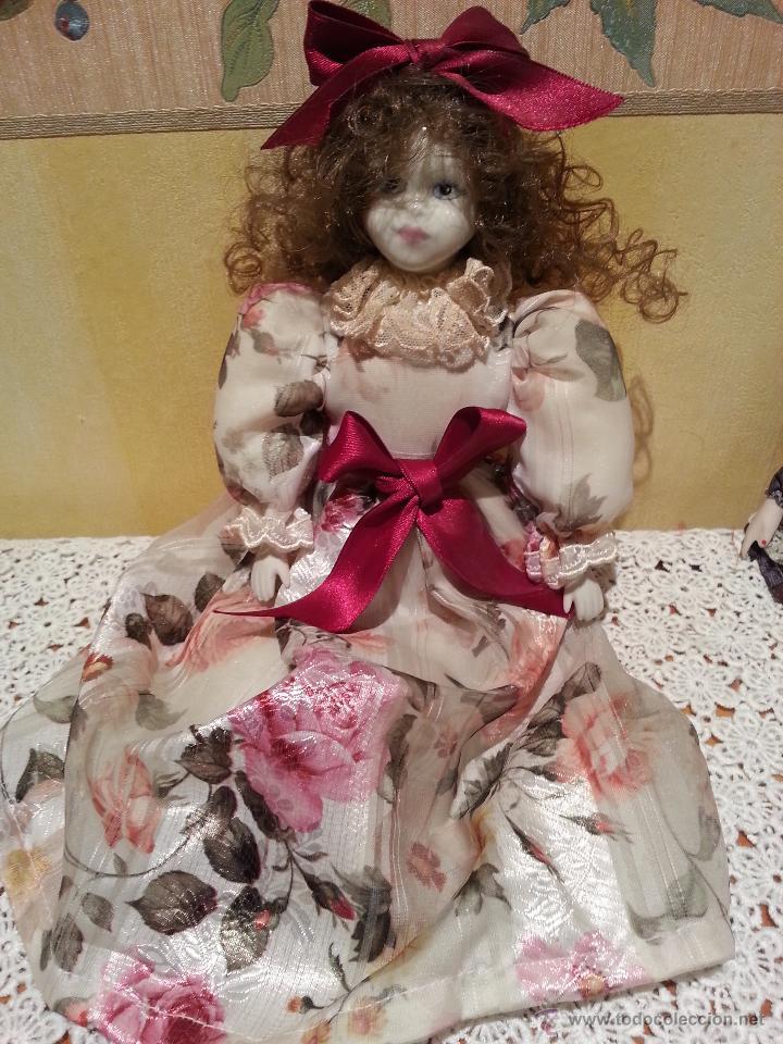 Muñecas Porcelana: Lote de 2 Muñecas sentadas de porcelana años 70 - Foto 5 - 48355635