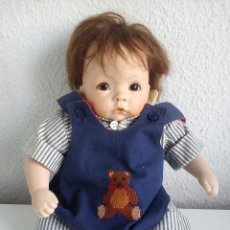 Muñecas Porcelana: MONECA DE COLECION HECHA PORCELANA TECIDO Y ARENA SELADA THE ULTIMATE COLECION M.S.LUDITE 1993. Lote 49652581