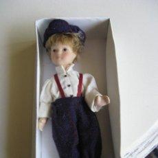Muñecas Porcelana: BONITO MUÑECO DE PORCELANA.. Lote 49713305