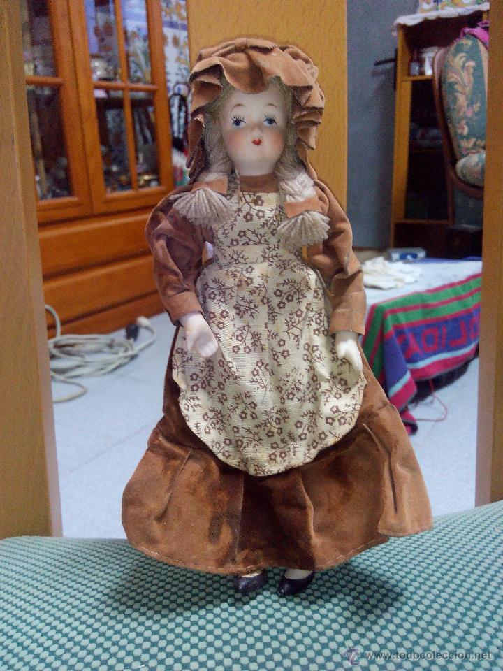 Muñecas Porcelana: Muñeca de porcelana de colección articulada..russ collectible porcelain dolls - Foto 2 - 51122162