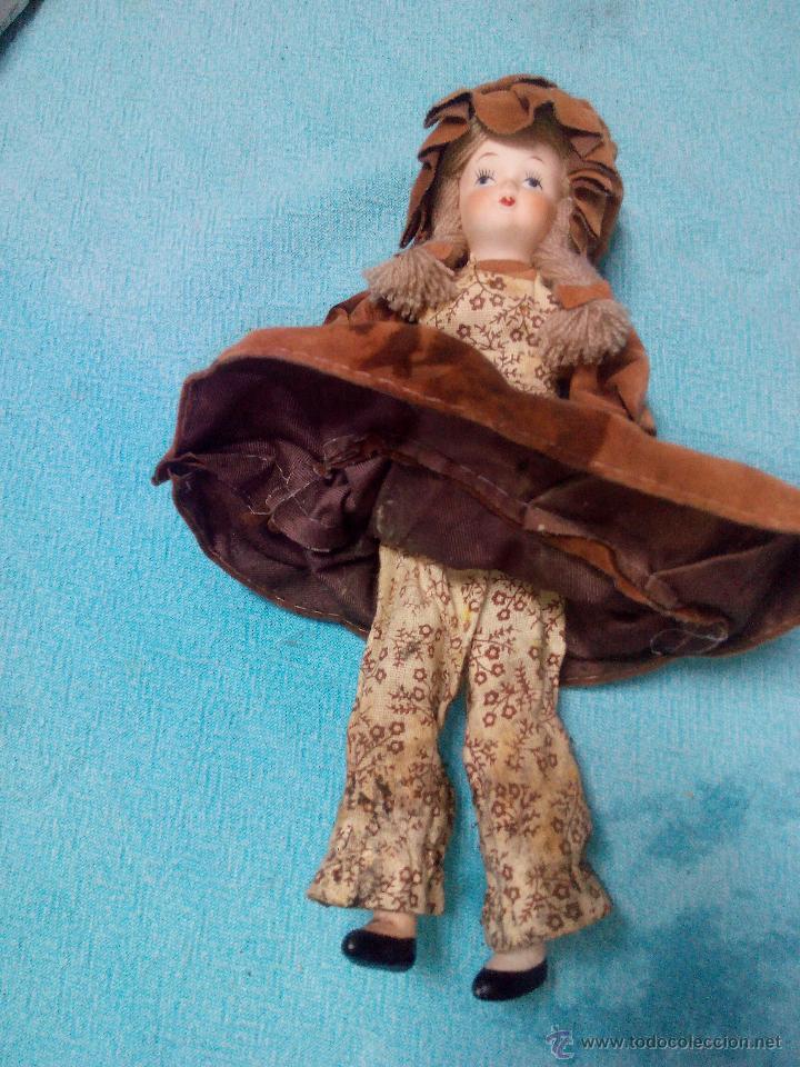 Muñecas Porcelana: Muñeca de porcelana de colección articulada..russ collectible porcelain dolls - Foto 5 - 51122162