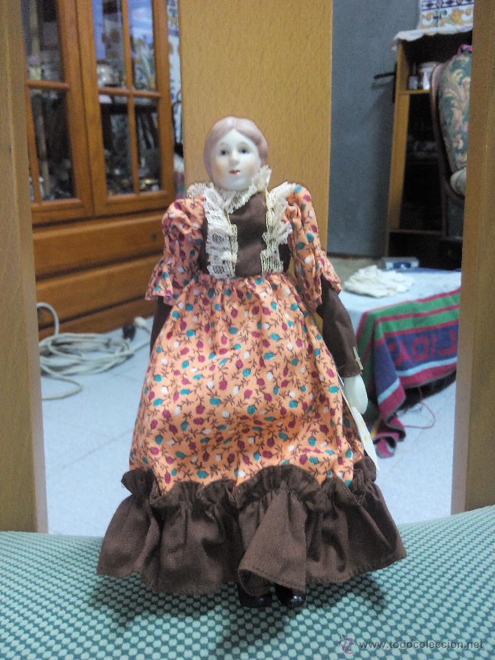 Muñecas Porcelana: MUÑECA abuela DE PORCELANA DE COLECCIÓN ARTICULADA..RUSS COLLECTIBLE PORCELAIN DOLLS - Foto 2 - 51122227