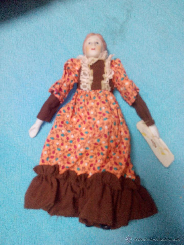 Muñecas Porcelana: MUÑECA abuela DE PORCELANA DE COLECCIÓN ARTICULADA..RUSS COLLECTIBLE PORCELAIN DOLLS - Foto 3 - 51122227