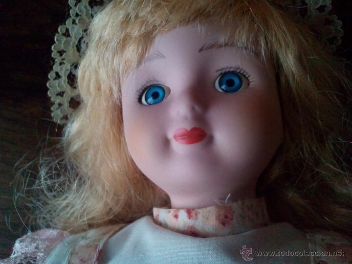 Muñecas Porcelana: MUÑECA ANTIGUA-CABEZA,BRAZOS,PIERNAS DE PORCELANA/CERÁMICA-EN PEDESTAL EXTENSIBLE-40 CM.OJOS CRISTAL - Foto 5 - 51932894