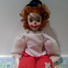 Muñecas Porcelana: PAYASO DE PORCELANA. CARA, MANOS Y PIES DE PORCELANA, PINTADO A MANO.. Lote 52591016