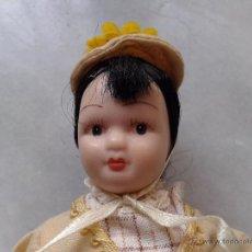 Muñecas Porcelana: MUÑECA PORCELANA ARTICULADA. CARITA PINTADA A MANO. PELO. MIDE 17 CM. Lote 52749744