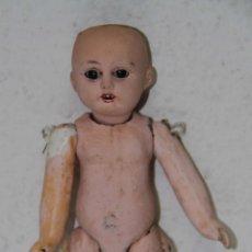 Muñecas Porcelana: MU096 MUÑECA PARA RESTAURAR. PORCELANA Y PAPIER MACHÉ. FIRMADA B.I. PRINC. S. XX. Lote 56098907