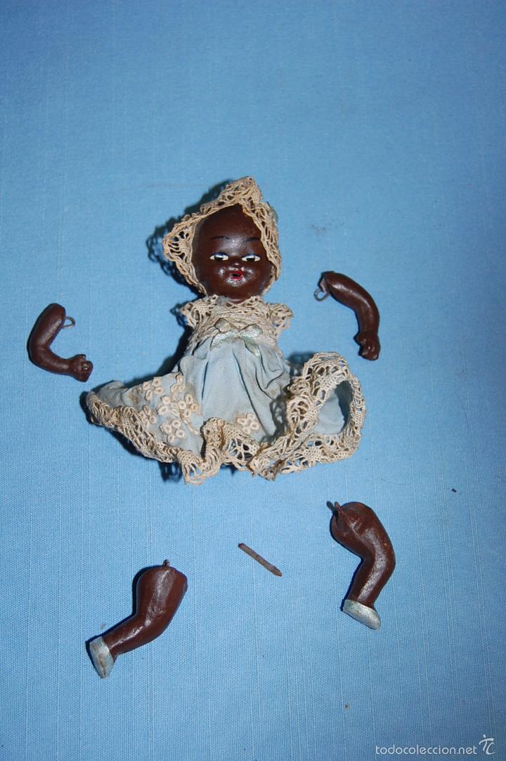 BEBE EN TERRACOTA O PORCELANA CIRCA 1920 (Juguetes - Muñecas Extranjeras Antiguas - Porcelana Otros paises)