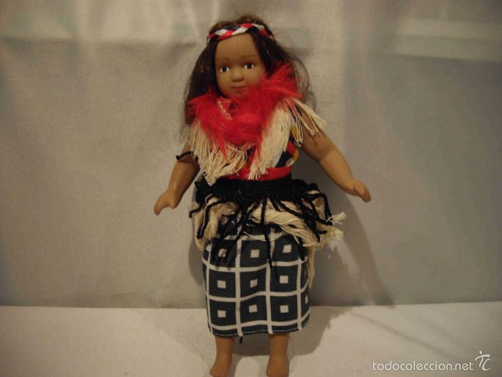 MUÑECA PORCELANA NUEVAGUINEA (Juguetes - Muñeca Extranjera Moderna - Porcelana)