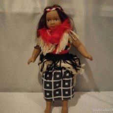 Muñecas Porcelana: MUÑECA PORCELANA NUEVAGUINEA. Lote 56697307