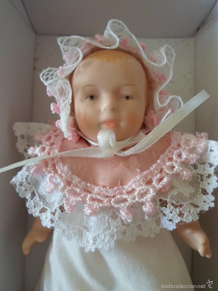 Muñecas Porcelana: MUÑECA BEBE - 14 CM DE ALTO- EN CAJA ORIGINAL - Foto 2 - 57588863