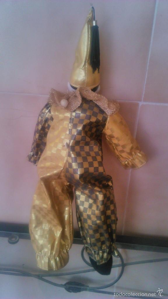 Muñecas Porcelana: Precioso pierrot de trapo con cabeza y manos de porcelana,traje dorado. - Foto 5 - 58191784