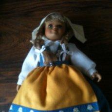 Muñecas Porcelana: MUÑECA DE PORCELANA Y TELA DE LA MARCA ALEMANA SCHNEIDER 30 CM ALTO. Lote 59972819