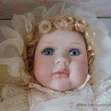 Muñecas Porcelana: MAGNIFICA MUÑECA DE PORCELANA FIRMADA Y NUMERADA CON CERTIFICADO. Lote 60249143