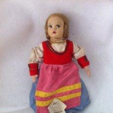 Muñecas Porcelana: ANTIGUA MUÑECA ITALIANA DE TELA PUGLIE CON ETIQUETA. Lote 61254883