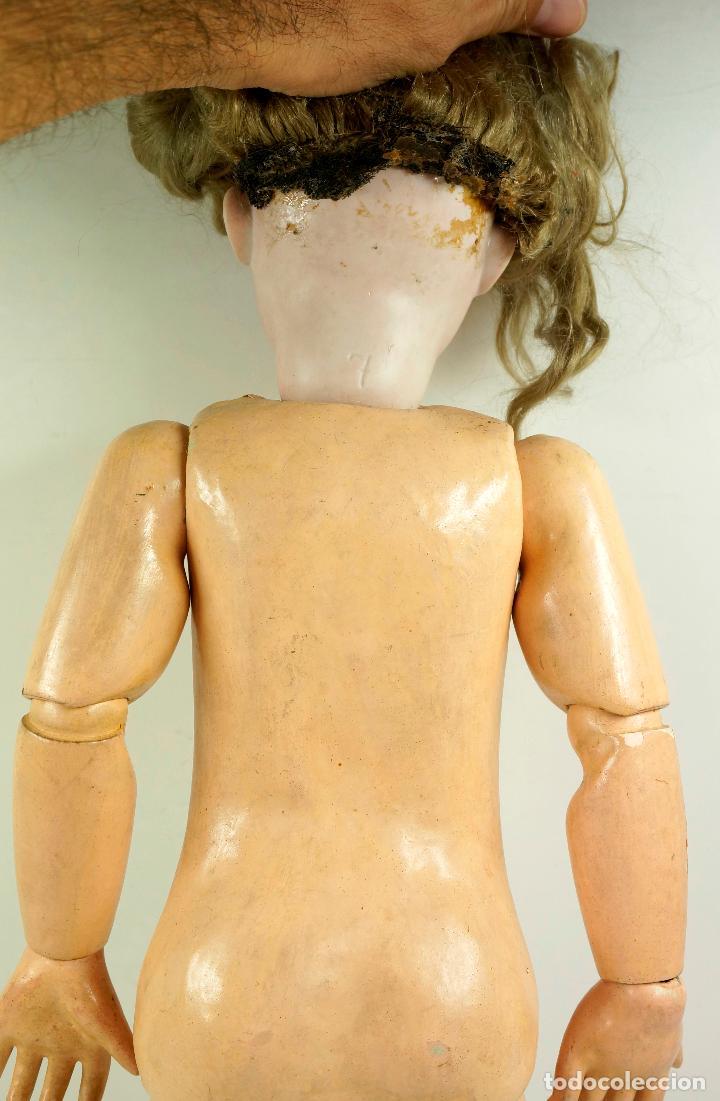 Muñecas Porcelana: MUÑECA CON CABEZA DE PORCELANA, EN BUEN ESTADO. MARCA EN LA NUCA. 56CM ALTURA TOTAL - Foto 9 - 54189913