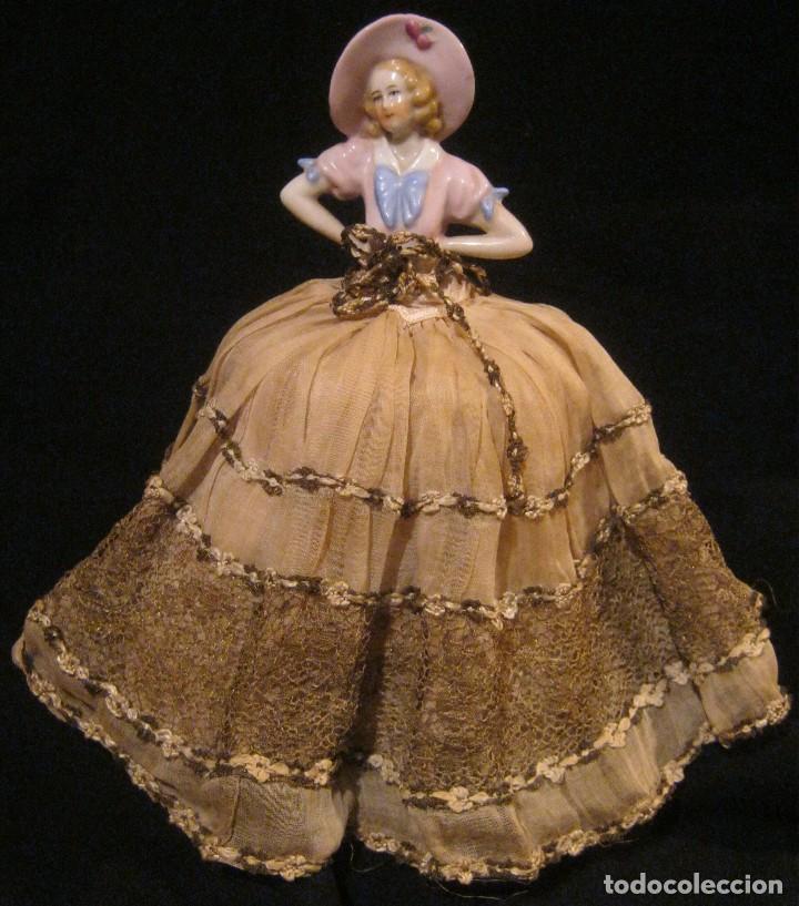 Muñecas Porcelana: ANTIGUA BOMBONERA CON MUÑECA DE PORCELANA PPIO. S. XX - Foto 3 - 65009579