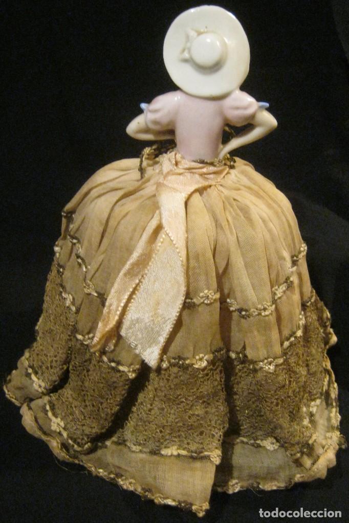 Muñecas Porcelana: ANTIGUA BOMBONERA CON MUÑECA DE PORCELANA PPIO. S. XX - Foto 4 - 65009579