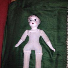 Muñecas Porcelana: ANTIGUA MUÑECA CARA PIES Y MANOS DE PORCELANA. Lote 65956094