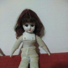 Muñecas Porcelana: ANTIGUA MUÑECA CABEZA ,MANOS Y PIES EN BISCUIT,BOTAS EN PIEL. RESTO DE TRAPO. Lote 65956354