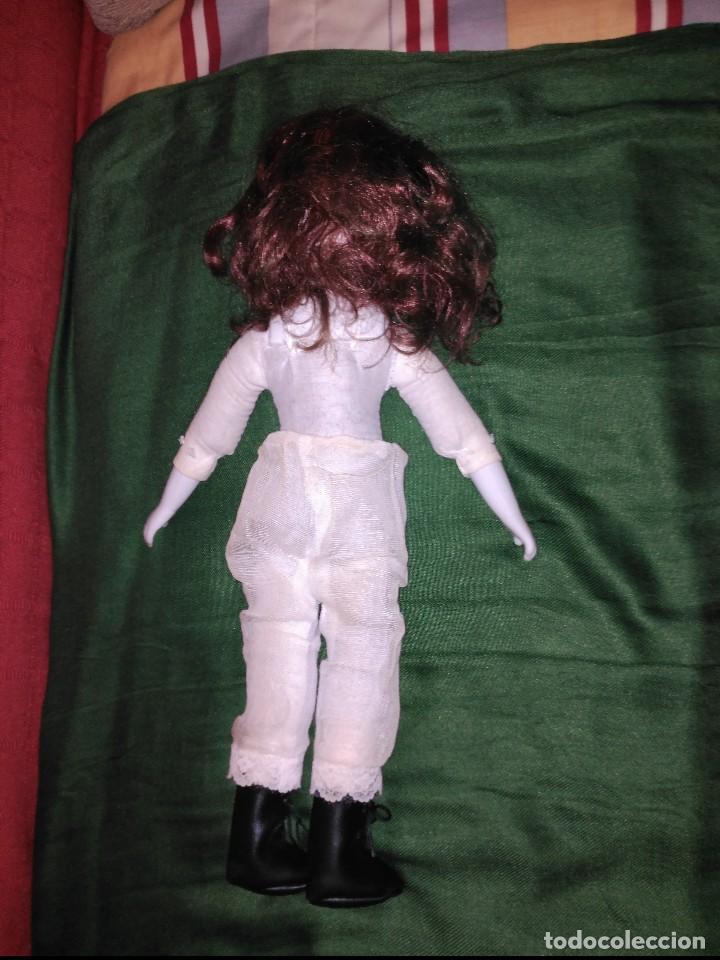 Muñecas Porcelana: antigua muñeca cabeza ,manos y pies en biscuit,botas en piel. resto de trapo - Foto 2 - 65956354
