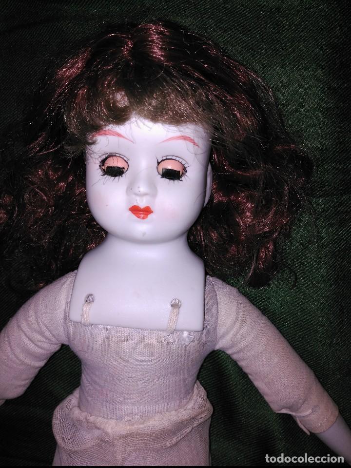 Muñecas Porcelana: antigua muñeca cabeza ,manos y pies en biscuit,botas en piel. resto de trapo - Foto 4 - 65956354