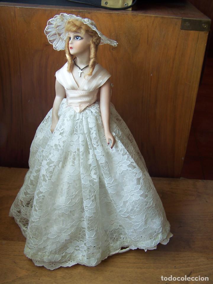 Muñecas Porcelana: Muñeca con cuerpo de porcelana y armazón de alambre. Altura 36 cm. - Foto 2 - 66346366