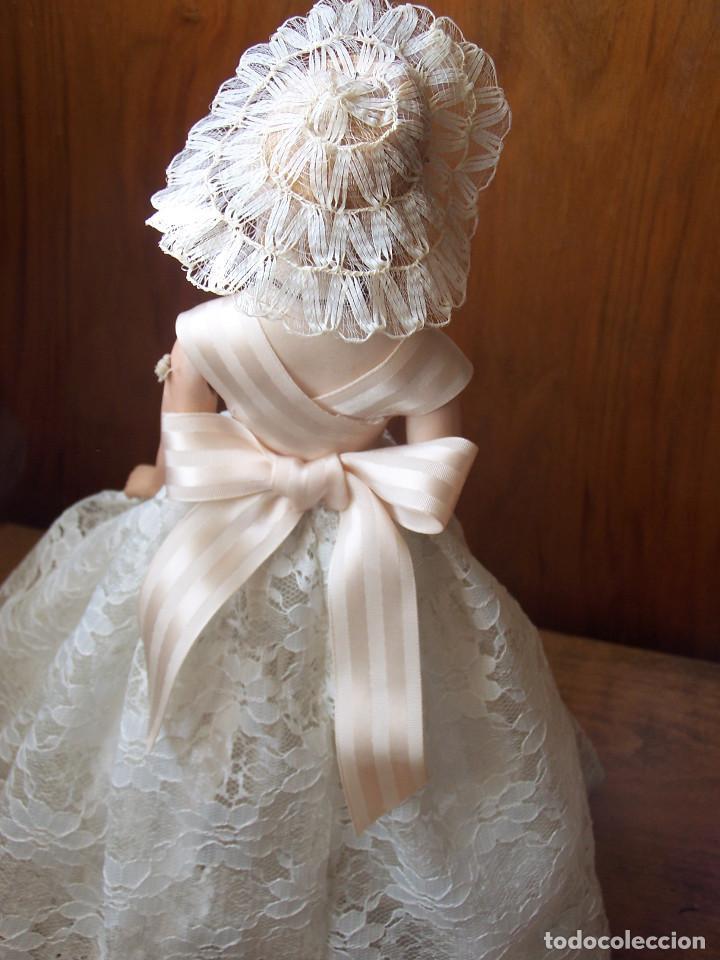 Muñecas Porcelana: Muñeca con cuerpo de porcelana y armazón de alambre. Altura 36 cm. - Foto 4 - 66346366