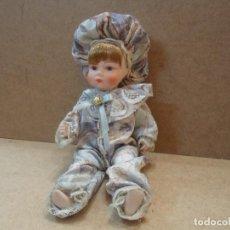 Muñecas Porcelana: MUÑECA DE PORCELANA . Lote 77110849