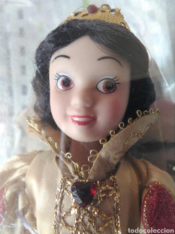 MUÑECA PRINCESA BLANCA NIEVES DISNEY PORCELANA CON SU CAJA DE PLÁSTICO. BLANCANIEVES EN BLISTER (Juguetes - Muñeca Extranjera Moderna - Porcelana)