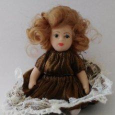 Muñecas Porcelana: MUÑECA DE COLECCIÓN PORCELANA- 9 CM.. Lote 86087276