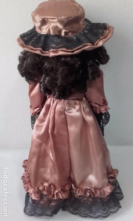 Muñecas Porcelana: muñeca de porcelana de 39 cm (con peana) - Foto 4 - 86205548