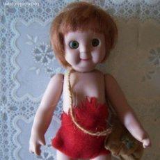 Muñecas Porcelana: MUÑECA GOOGLY DE PORCELANA, TROGLODITA, DE PLANETA DE AGOSTINI. 20 CMS. DE ALTURA. Lote 89631808